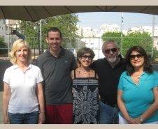 עם מיכל קרקוף המנהלת והמורים לחינוך גופני עידו שי ואורנה שוורץ